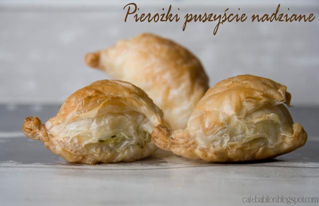 Pierożki francuskie nadziewane farszem serowym