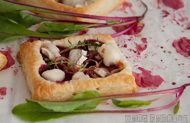 Tartaletki z buraczkami i kozim serem