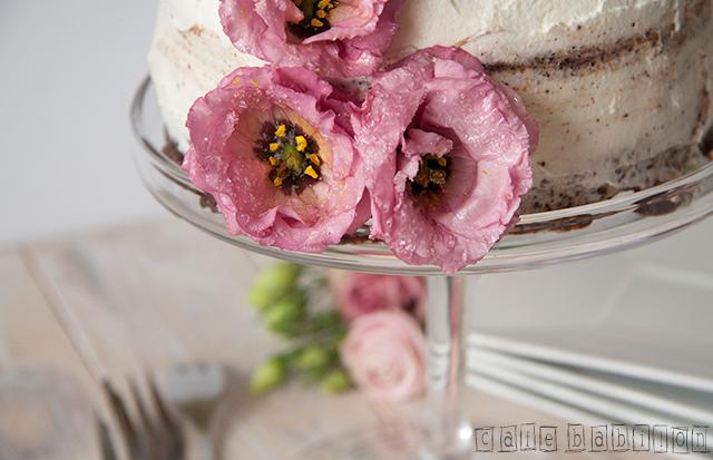 Tort urodzinowy z żywymi kwiatami3