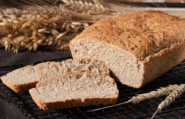 Drożdżowy chleb pszenno-żytni