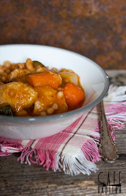 Gulasz mięsno-warzywny z fasolą
