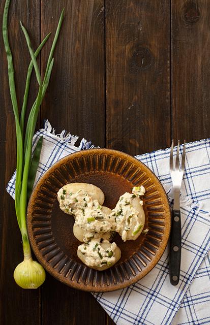 Młode ziemniaki ze smażoną śmietaną