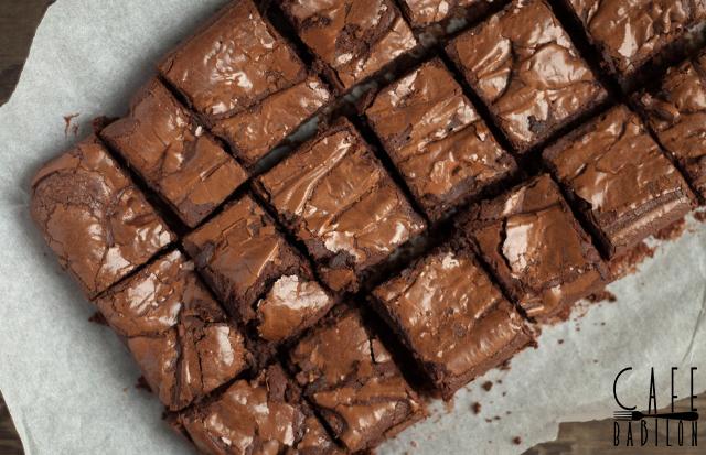 Przepyszne klasyczne brownie