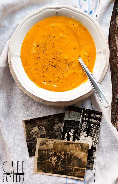 Zupa dyniowa z kluskami