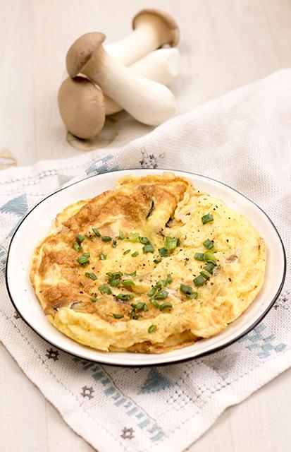 Omlet z boczniakami królewskimi